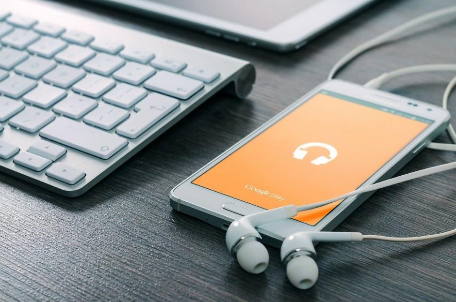 Muzika i nativni advertajzing – kreativan način da promovišete svoj brend