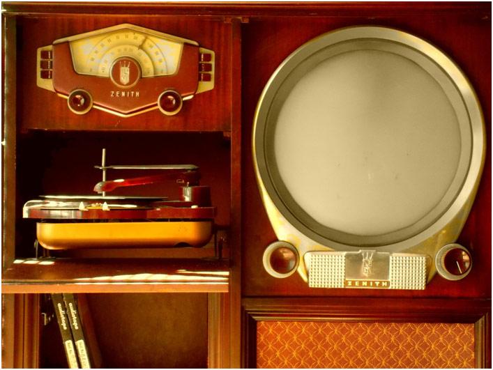 Stari uredjaji za slusanje muzike