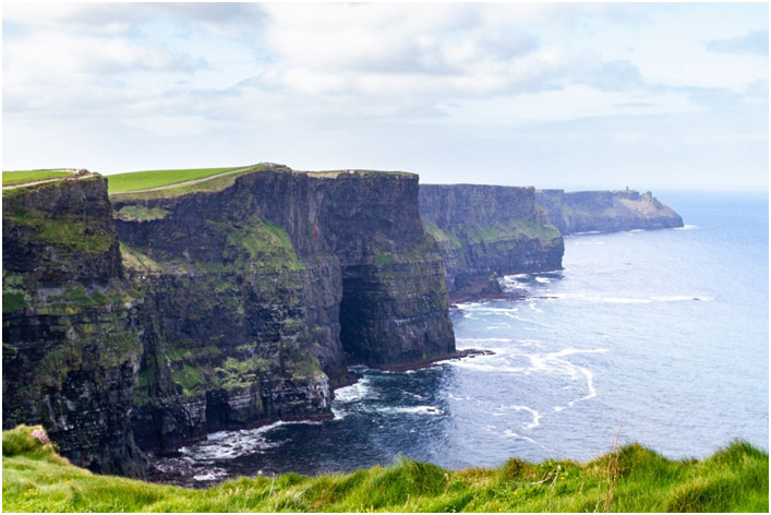 Irska obala i more